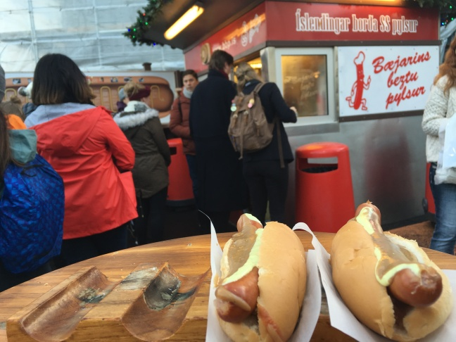 tipsforbudgettravelineuro-hotdog