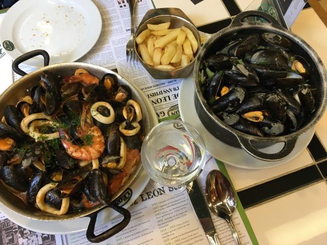 tipsforbudgettravelineuro-mussels